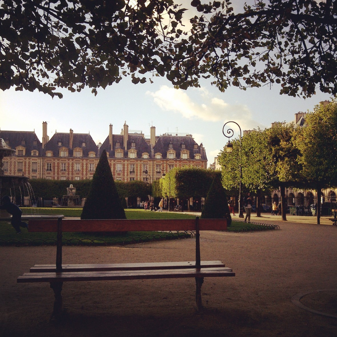 paris, place de vosges